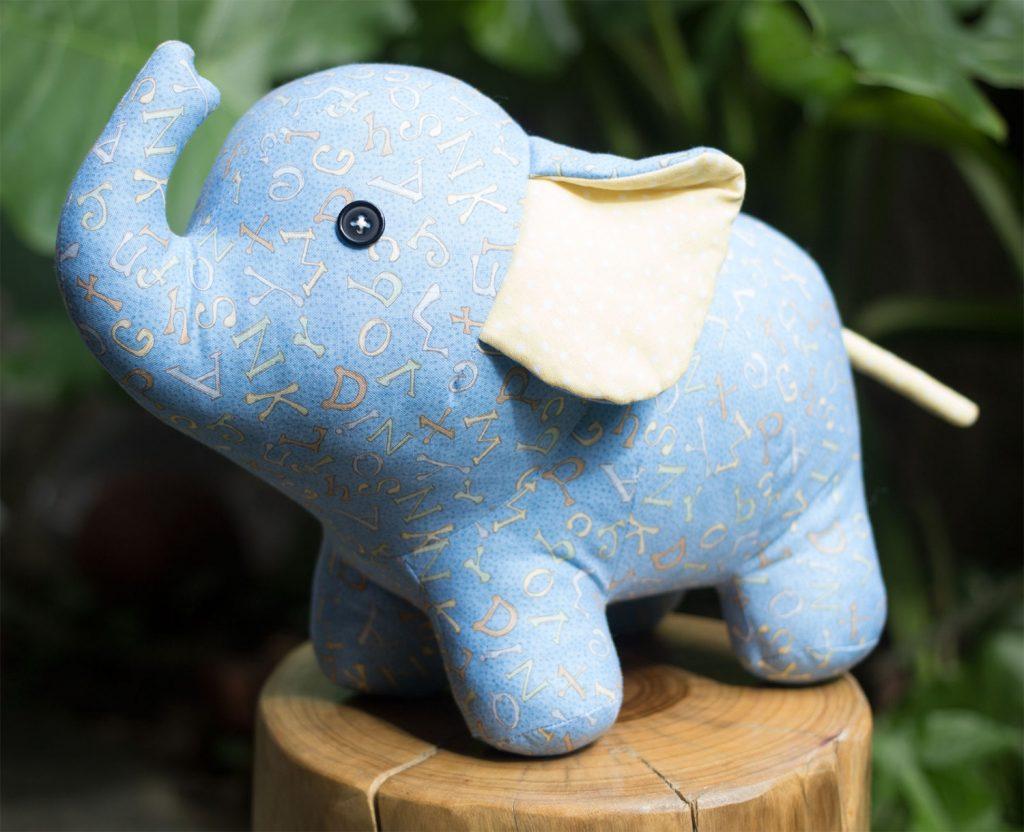Membuat Boneka Gajah Dari Kain Velboa Motif