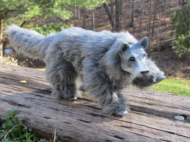Produsen Boneka Custom Karakter Hewan Serigala dari Bahan Rasfur
