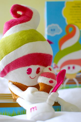 Produsen Boneka Karakter Yoghurt Unik
